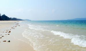 Bãi biển Hồng Vàn – Du lịch Cô Tô